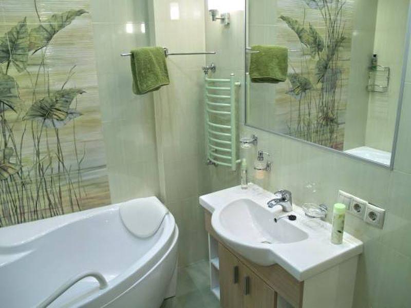 Интерьер небольшой ванны фото